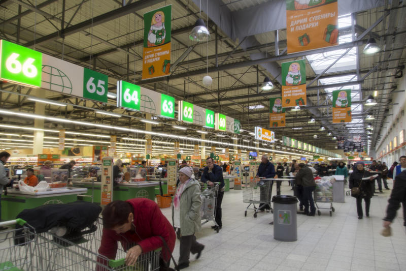 Supermercado en suzdal, Federación Rusa imagen de archivo libre de regalías