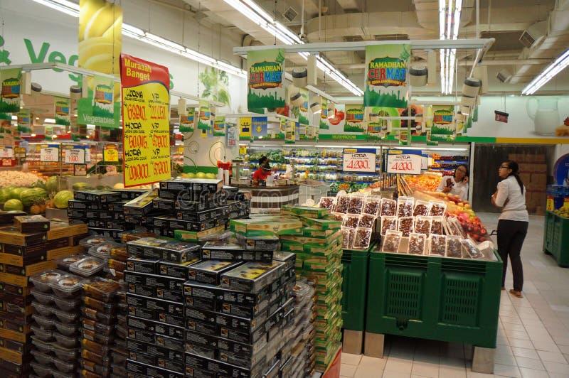 Download Supermercato fotografia stock editoriale. Immagine di famiglia - 55357928