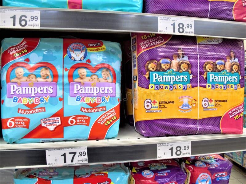 Supermercato di Auchan a Roma fotografia stock