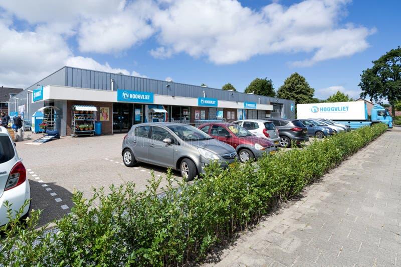 Supermercato di Hoogvliet in Sassenheim, Paesi Bassi fotografia stock libera da diritti