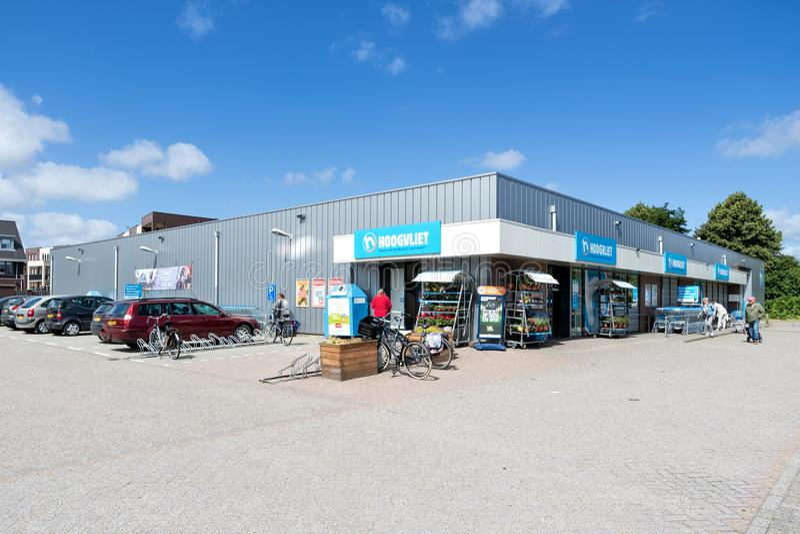Supermercato di Hoogvliet in Sassenheim, Paesi Bassi fotografia stock