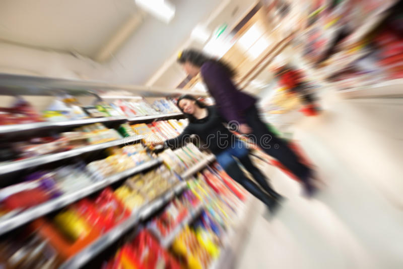 Supermercato occupato di sforzo immagine stock
