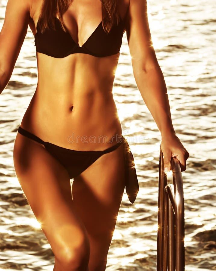 Supermodelo na praia foto de stock