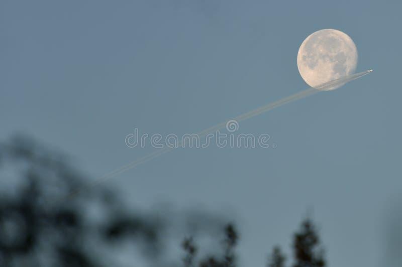 SuperMoon flyby zdjęcia stock