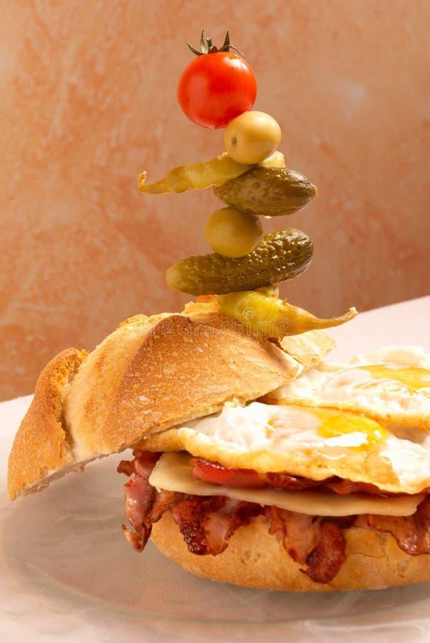 supersized smörgås arkivbild