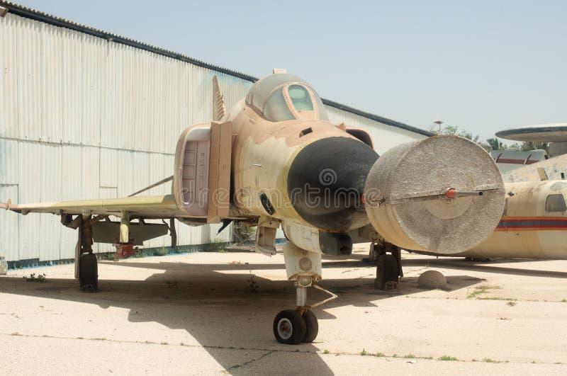 Supersoniskt strålmilitärt jaktplanflygplan/kämpe-bombplan royaltyfri foto