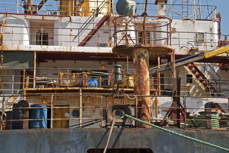 Superstructure rouillée d'un bateau photo stock