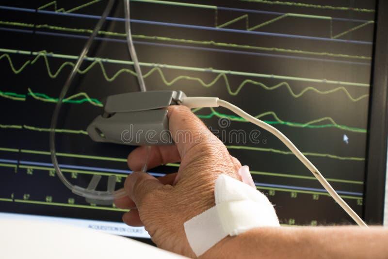 Supervisión del paciente en hospital imágenes de archivo libres de regalías
