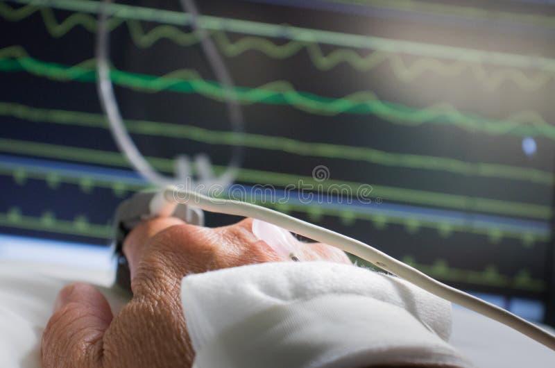 Supervisión del paciente en hospital imagen de archivo