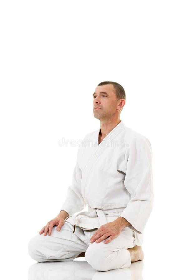 Supervisore di arti marziali che meditating fotografia stock libera da diritti