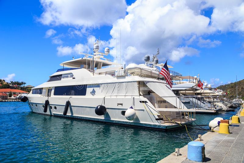 Superyacht dans St Barth photographie stock