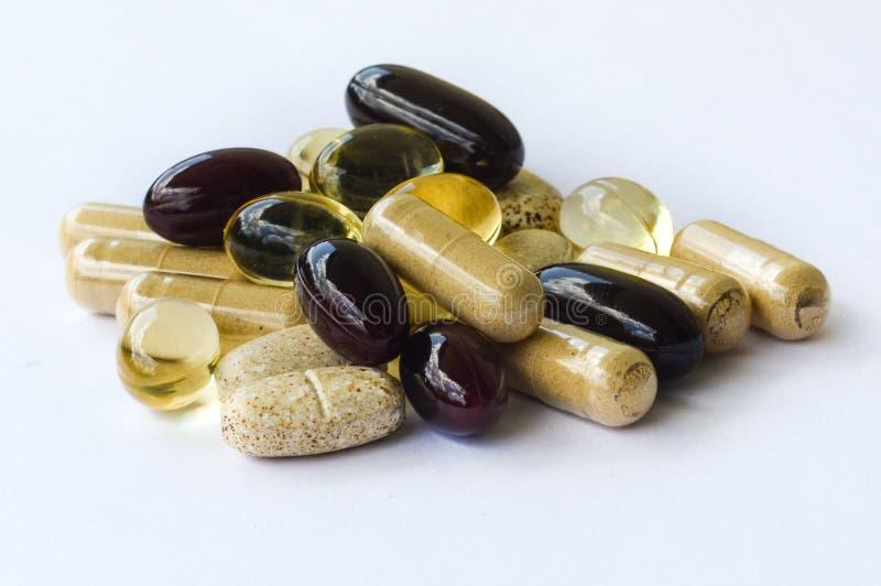 Suplementos - minerales de las vitaminas, aceites de Omega fotos de archivo libres de regalías