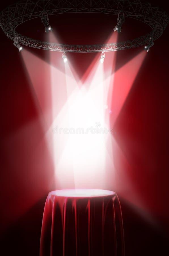 Suporte da apresentação coberto com o pano de seda vermelho foto de stock royalty free