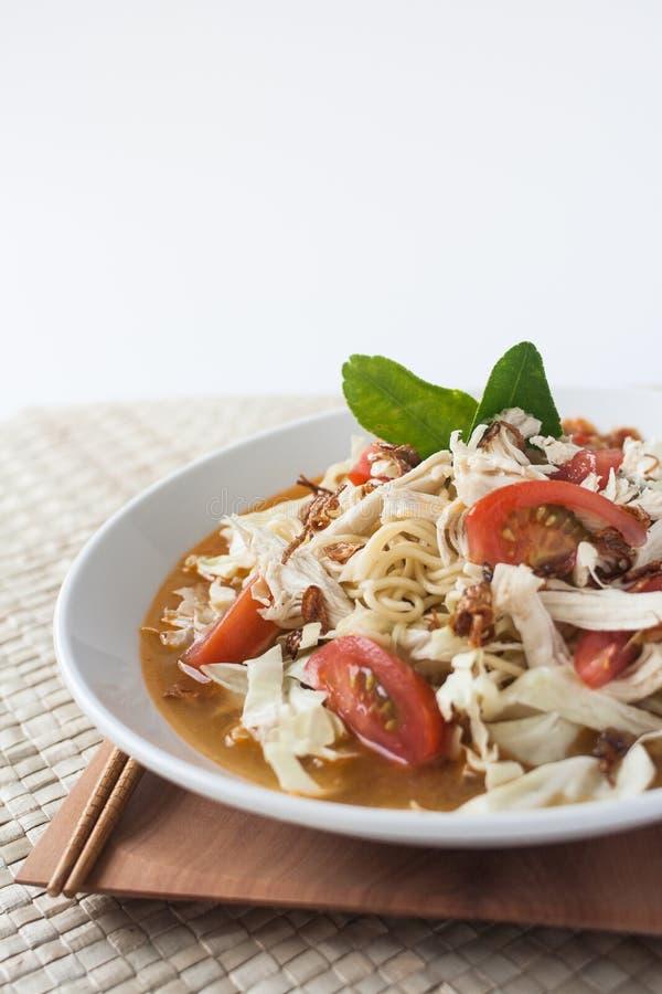 suppen-indonesien-küche der huhnnudel würzige stockfoto - bild ... - Indonesien Küche