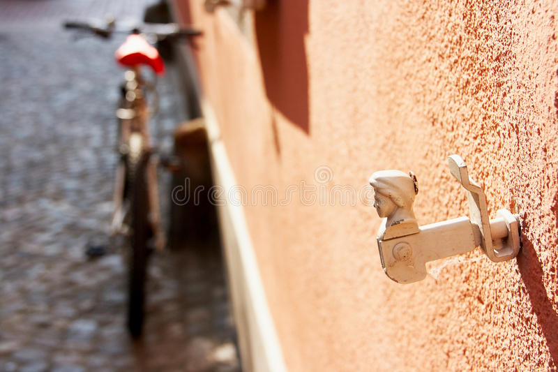 Support antique de volet de fenêtre photo stock