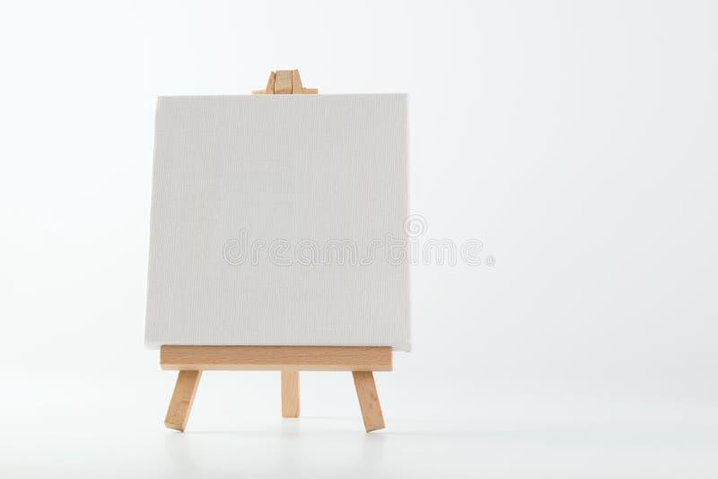 Support de peinture avec la toile vide photographie stock libre de droits
