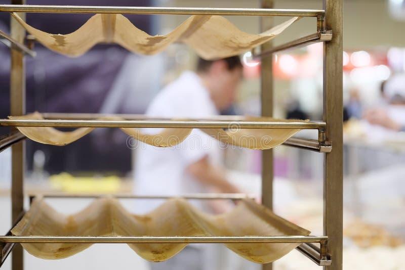 Support en métal pour le pain photo stock