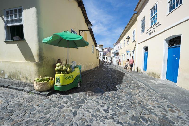 Support Salvador Brazil de l'eau de noix de coco images libres de droits