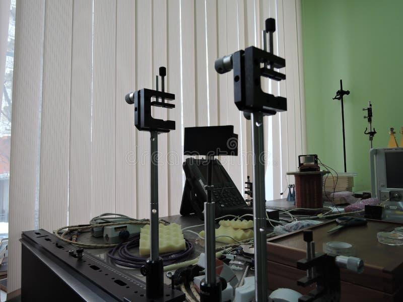 Supporti ottici di angolo preciso sulla tavola ottica fotografie stock libere da diritti