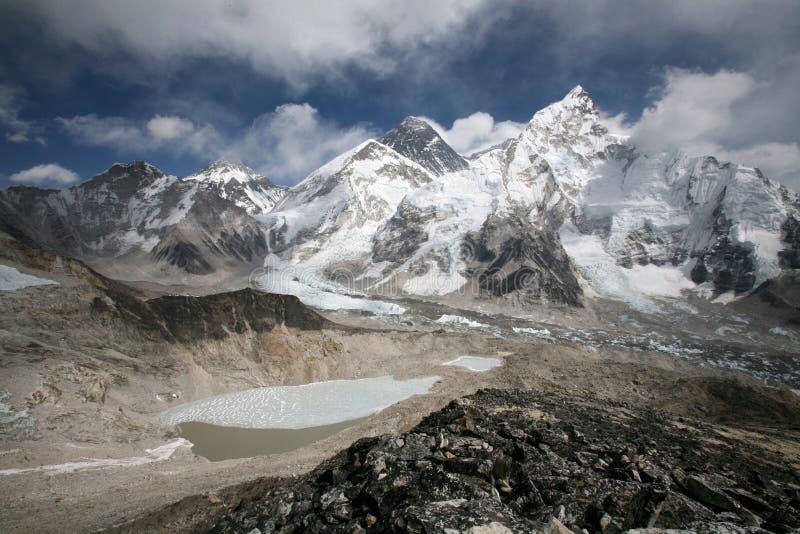 Supporto Everest osservato da Kala Patthar immagini stock