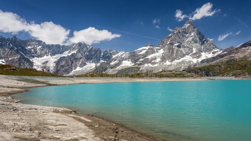 Download Supporto Matterhorn fotografia stock. Immagine di switzerland - 56890546