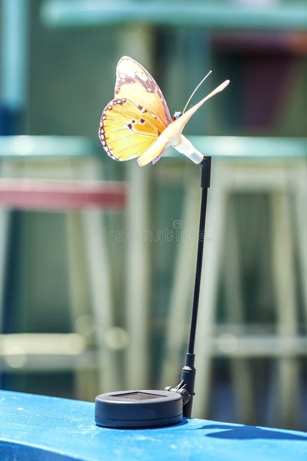 Supporto meravigliosamente decorato della tovaglia della farfalla fotografia stock libera da diritti