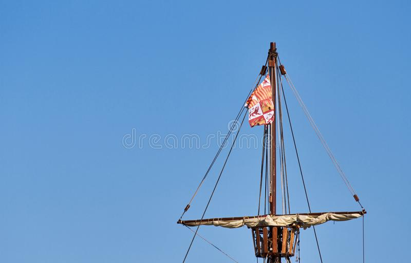 Supra o detalhe da réplica espanhola do Santa Cruz fotografia de stock royalty free