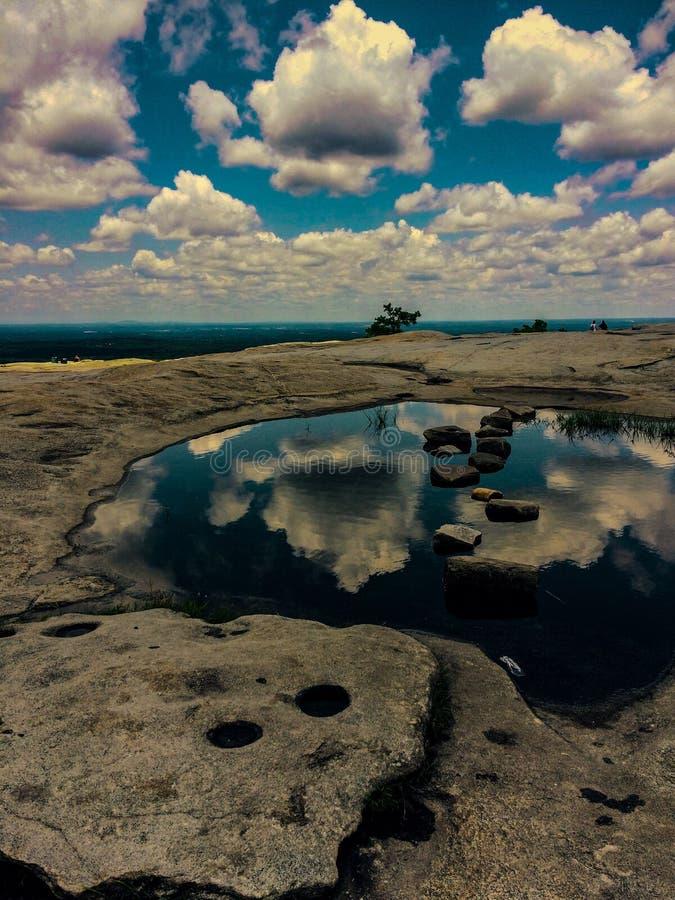 Sur la montagne en pierre photos stock