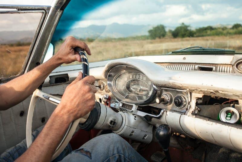 Sur la route photographie stock libre de droits