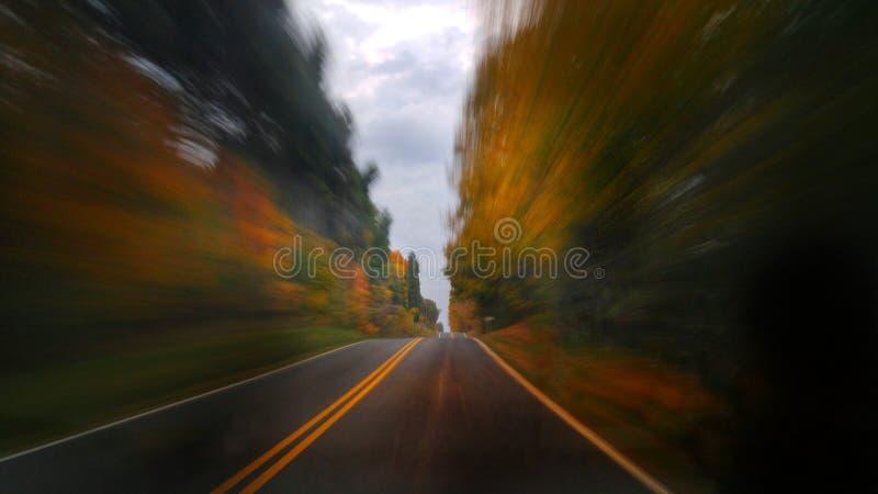 Sur la route image stock