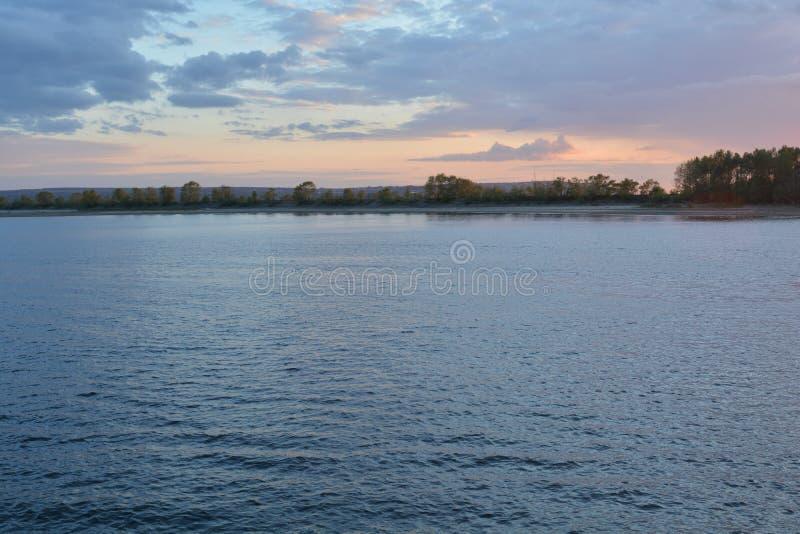 Sur la Volga image libre de droits