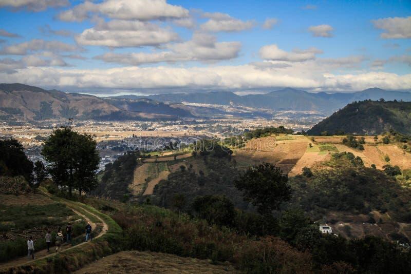 Sur le chemin de retour de Cerro Quemado, Quetzaltenango, Altiplano, Guatemala photos libres de droits
