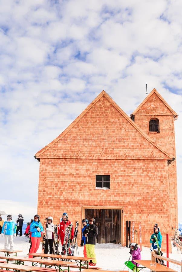 Sur le dessus de l'onguent de Hohe de montagne Église de pèlerinage photographie stock