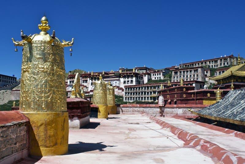 Sur le dessus du monastère de Ganden photos stock