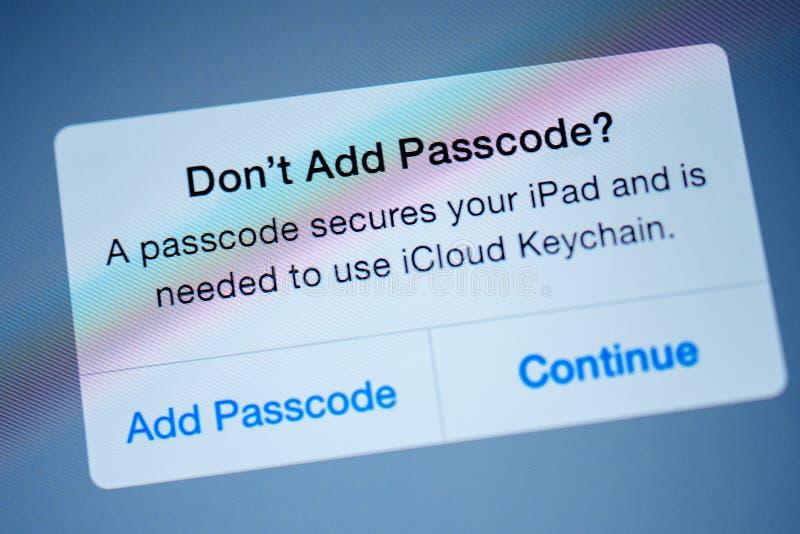 Sur le ` t ajoutez le code de passage, un code de passage fixe votre ipad photo libre de droits