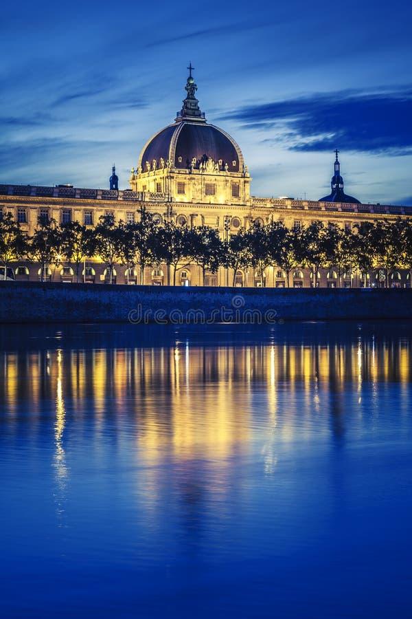 Sur les banques du Rhône images stock
