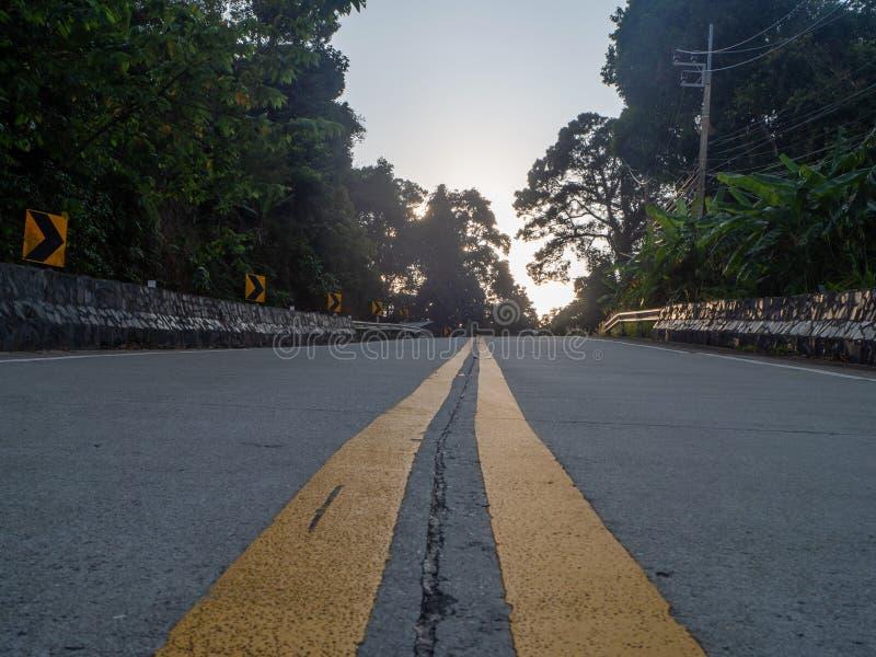 Sur les belles routes de Koh Phangan image stock