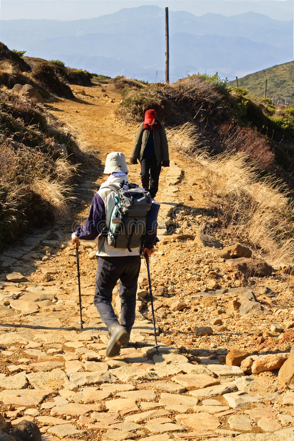 Sur les chemins de montagne photographie stock libre de droits
