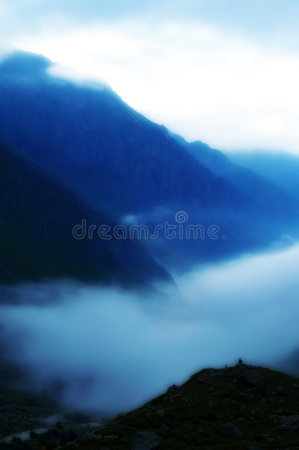 Sur les montagnes images libres de droits