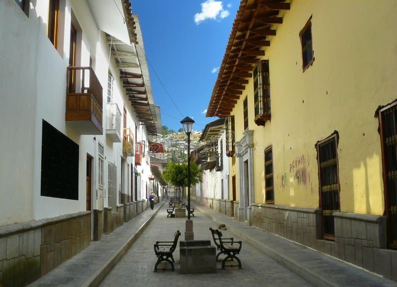 Sur les rues de Cajamarca. photos stock