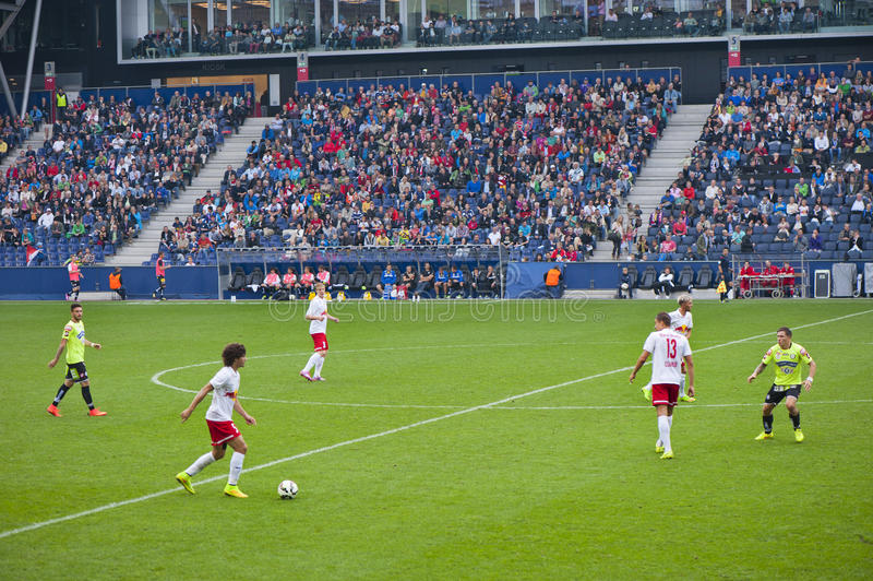 Sur un match de football images libres de droits