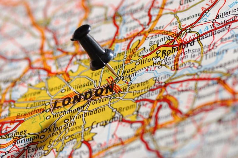 Sur une carte Londres photos libres de droits