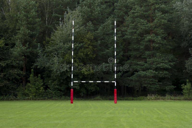 But sur une cour de rugby Champ de rugby d'Emty photos stock