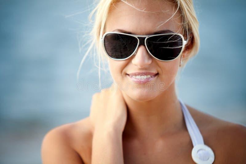 Sur une plage photographie stock libre de droits
