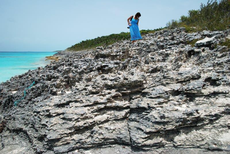 Sur une plage rocheuse photographie stock
