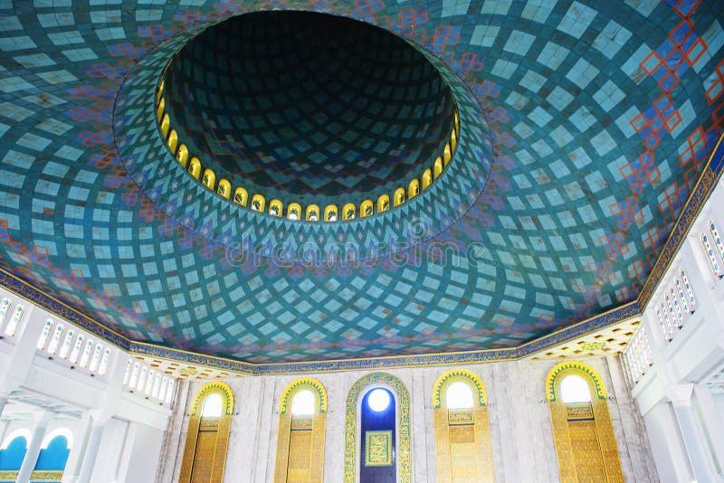 Surabaya, Indonesien, der Innenraum der Moschee des Als Akbar lizenzfreie stockfotos