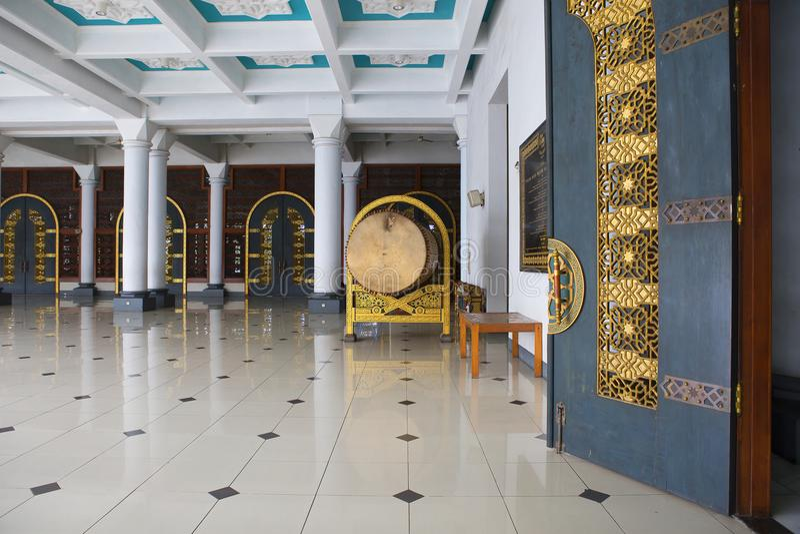 Surabaya, Indonesien, der Innenraum der Moschee des Als Akbar lizenzfreie stockbilder