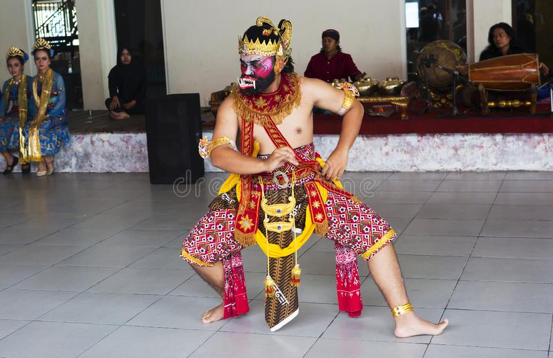 Surabaya, Indonesien, indonesischer traditioneller Tanz stockfotografie