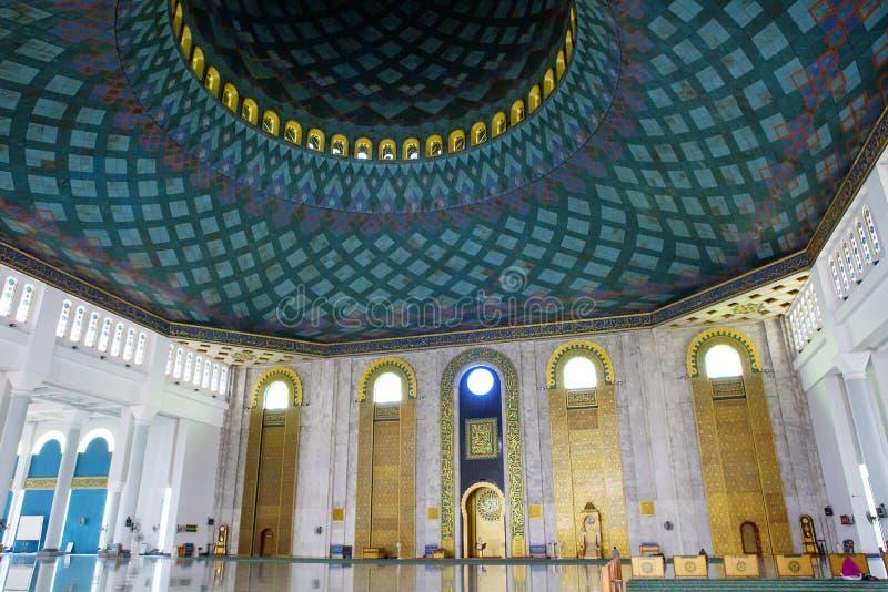 Surabaya Indonesien, inre av moskén av al Akbar arkivfoto
