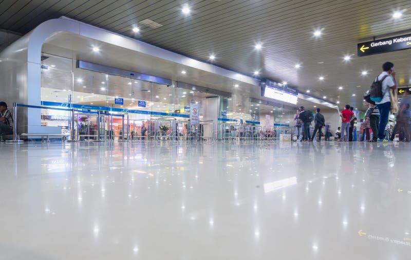 SURABAYA, INDONESIEN - 25. März 2016: Internationaler Flughafen Surabayas Juanda - intierior Surabaya, Osttimor lizenzfreie stockfotografie